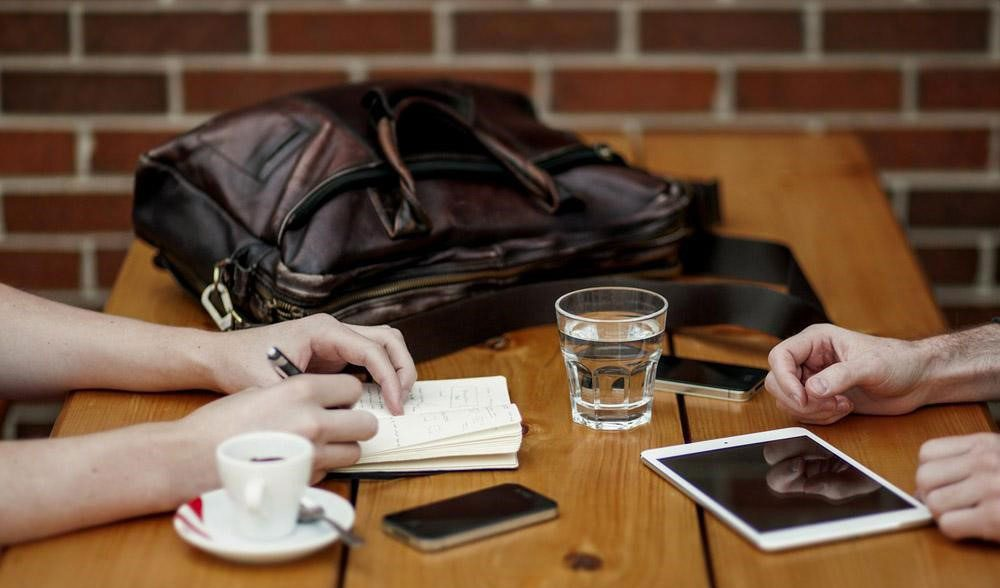 Essential-items-for-mobile-presenter