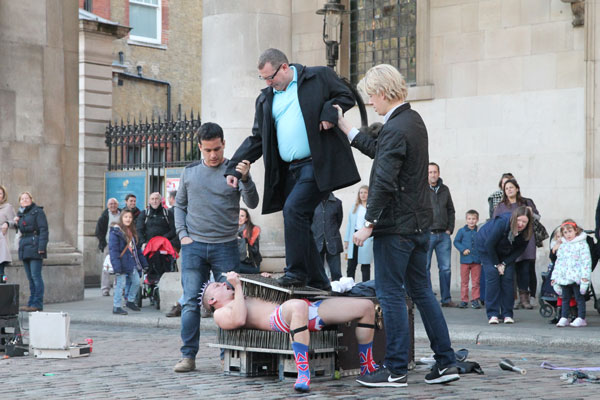 audience participation with street performer