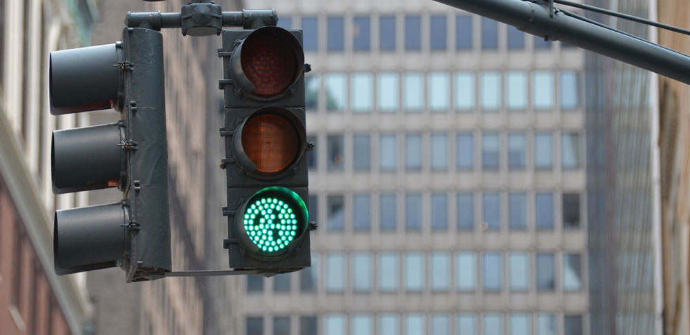green traffic light - start your presentation