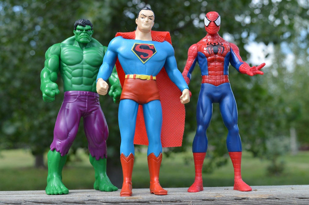 Incredible hulk superman and spiderman superhero figures